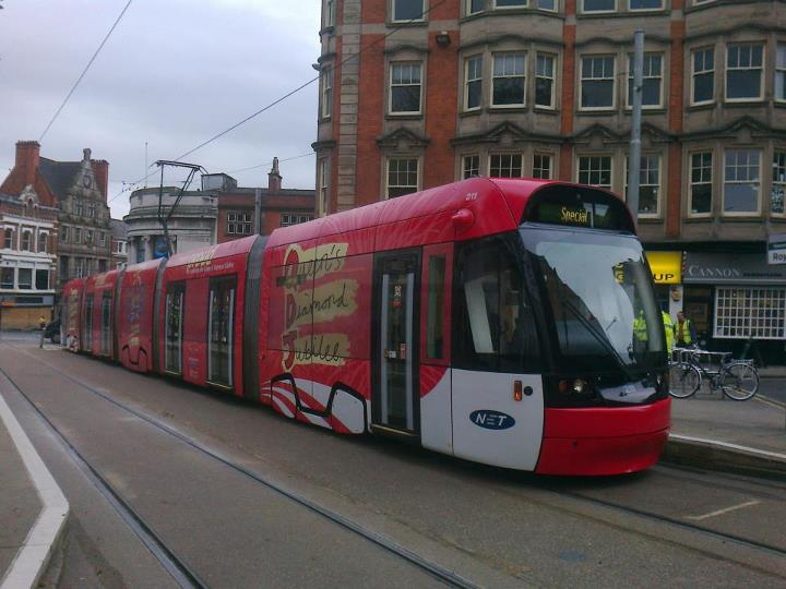 211 at Royal Centre showing off its Queen's Diamond Jubilee vinyl wrap livery. (Photo: Tim Moss)