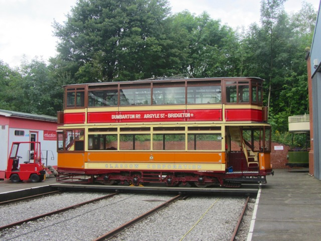 The reason for all the shunting - to get Glasgow 1115 out of the Exhibition Hall so it can play a role in the Glasgow 50 event. This view shows it on the Traverser. (Photo: Jack Gordon/Tramways Monthly)