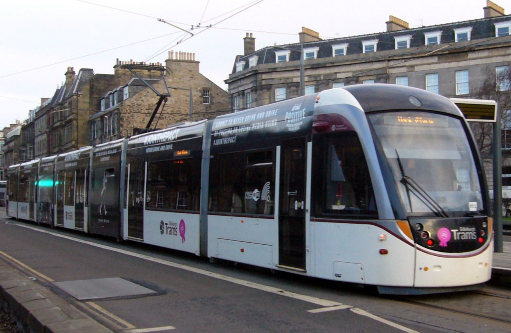 The full effect of 257's new advert as it pauses at West End Princes Street on 10th February with a service for York Place.