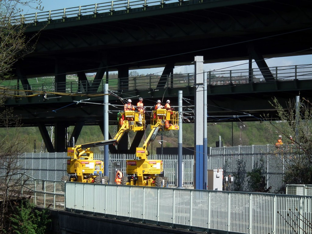Further work taking place on installing the overhead on Tinsley Chord.