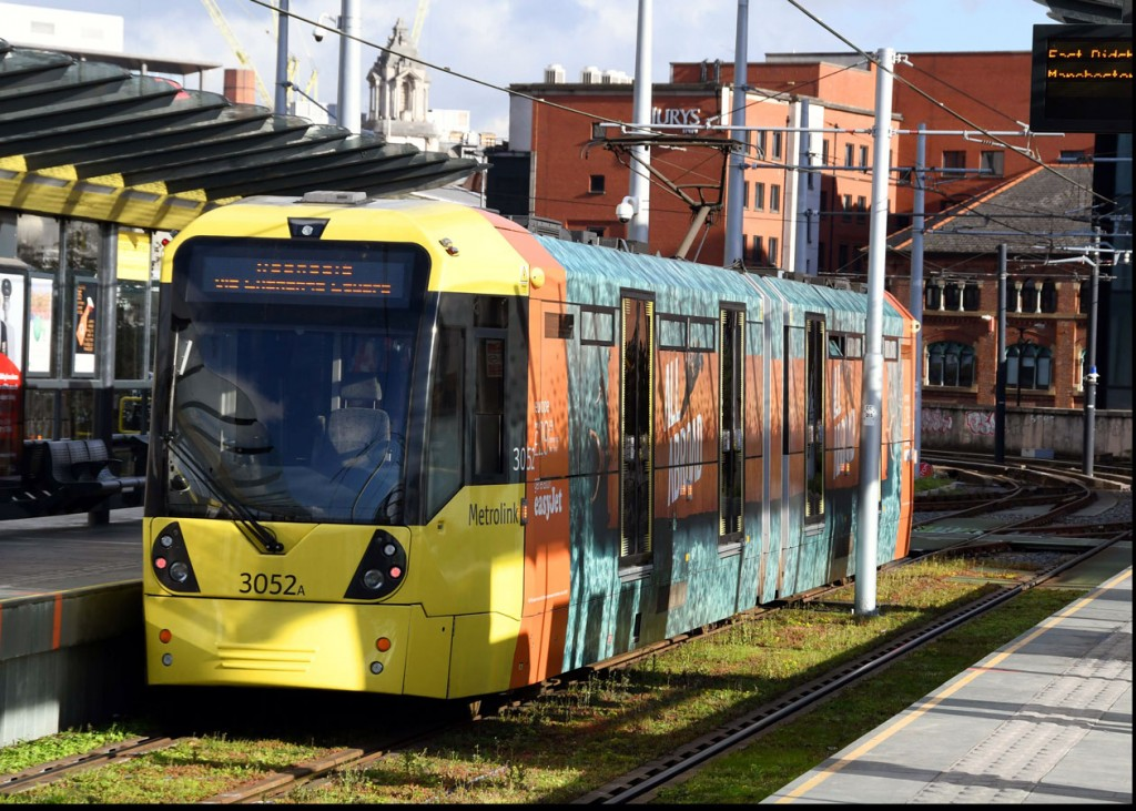 Applied at the end of September was this advert on 3052 for Easy Jet. One of two to advertise the airline. We see the tram at Deansgate-Castlefield on 2nd November.