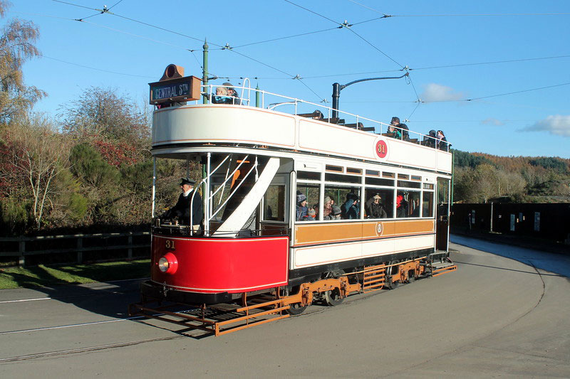 Blackpool 31 approaches the Town with a few passengers enjoying a top deck tram ride.
