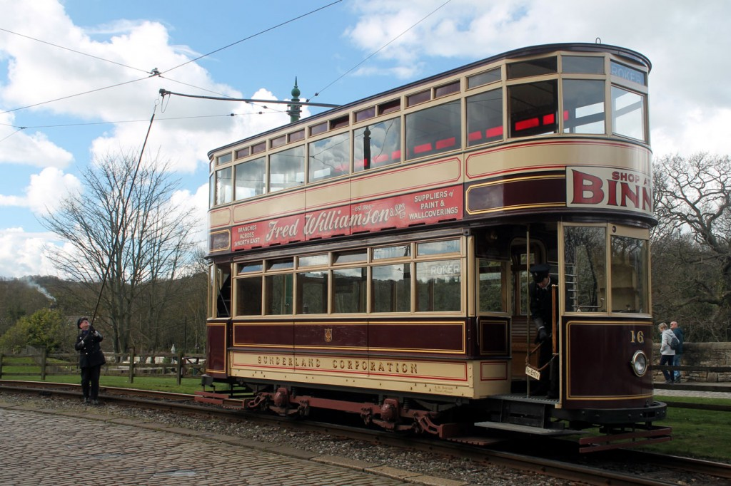 The crew of Sunderland 16 demonstrate the trolley reversal at the town.