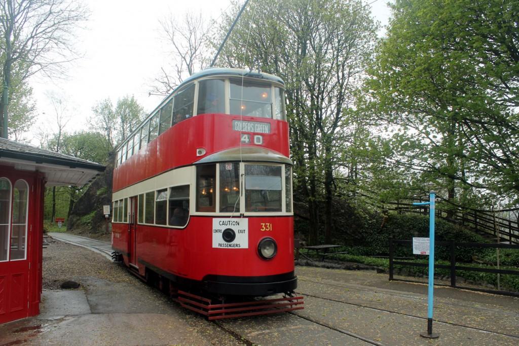 MET 331 returns to the main museum site from Wakebridge.
