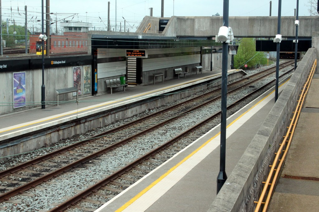 The scene at Chillingham Road on 1st May showing the sag in the overhead. The East Coast Mainline is the on the left hand side of the Metro lines here.