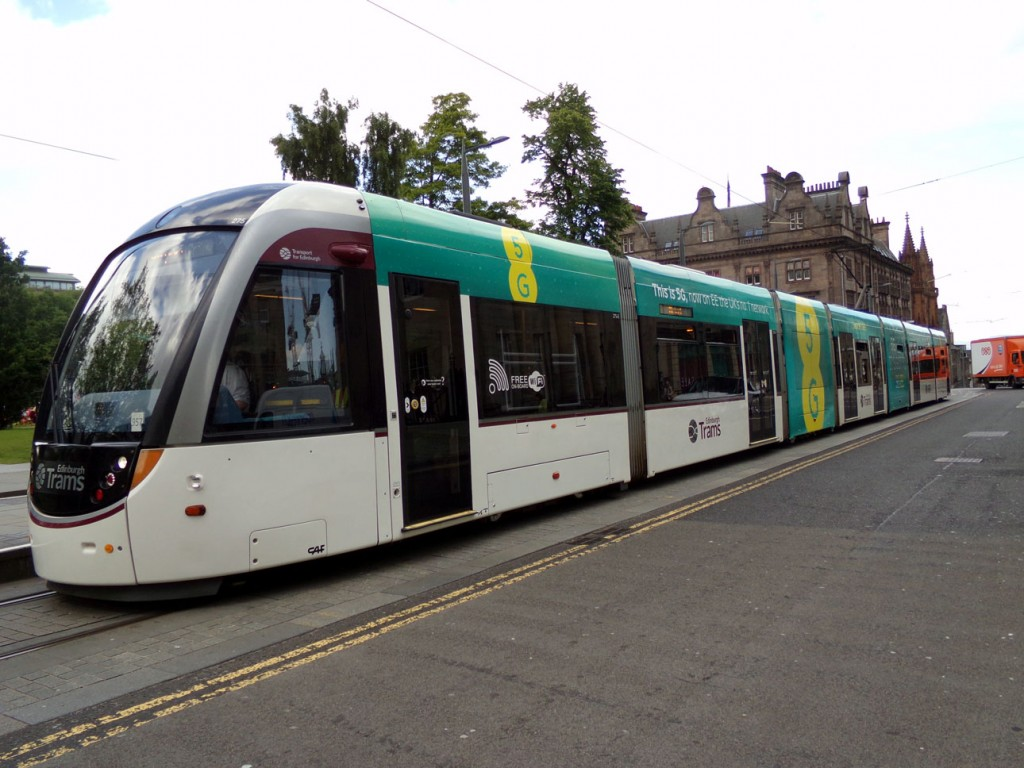 The new advert on 275 is seen here at St Andrew Square. (Photograph by Alasdair McFarlane, 19th June 2019)