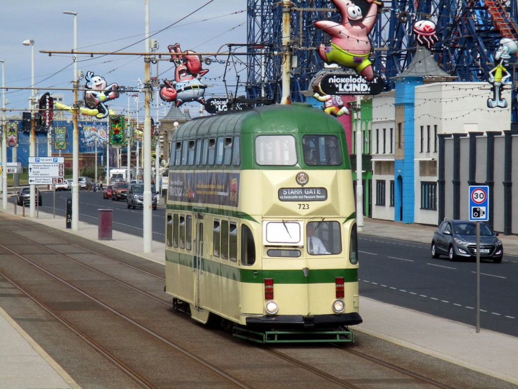 Balloon 723 heads past the south end of Pleasure Beach with a heritage trip to Starr Gate with appropriate destination blind.
