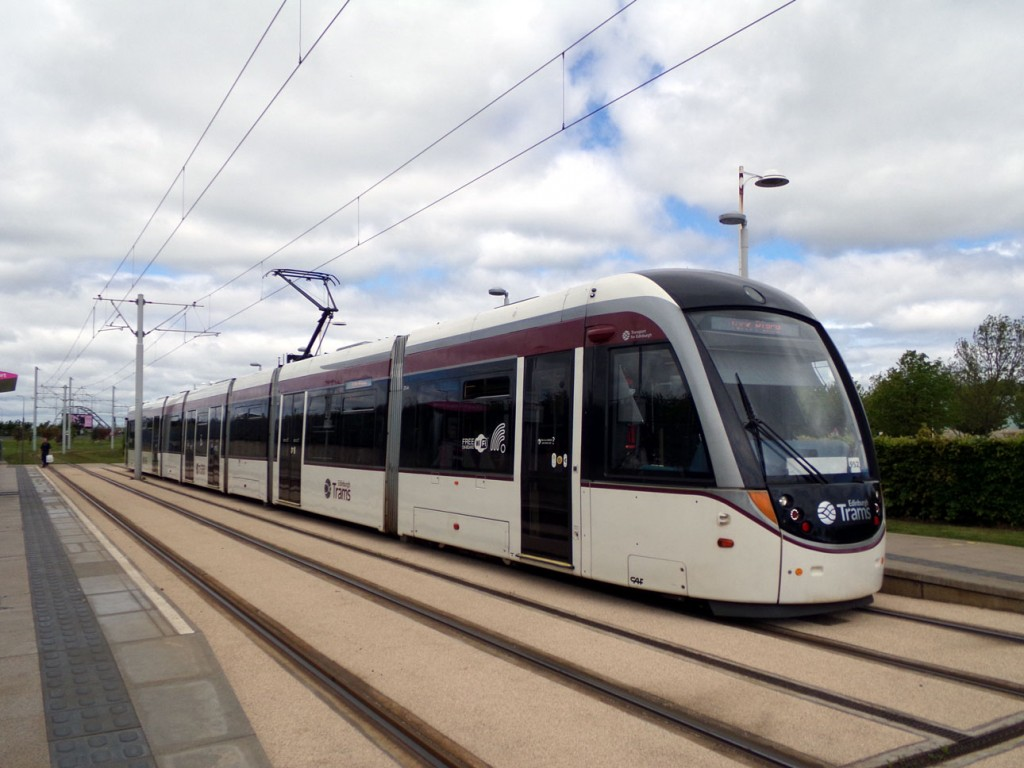 275 running sans adverts at the Gyle Centre on 23rd May 2019. (Photograph by Alasdair McFarlane)