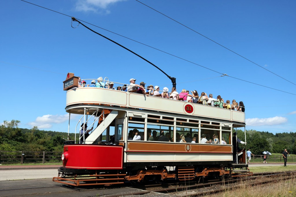 Meanwhile, Blackpool 31 was on the anti-clockwise ciruit. Once again we see the tram at Pockerley with more passengers soaking up the sun on the top deck. (All Photographs by Trevor Hall, 23rd July 2019)