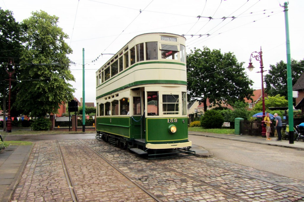 Blackpool Standard 159 stands at Chapel Road.