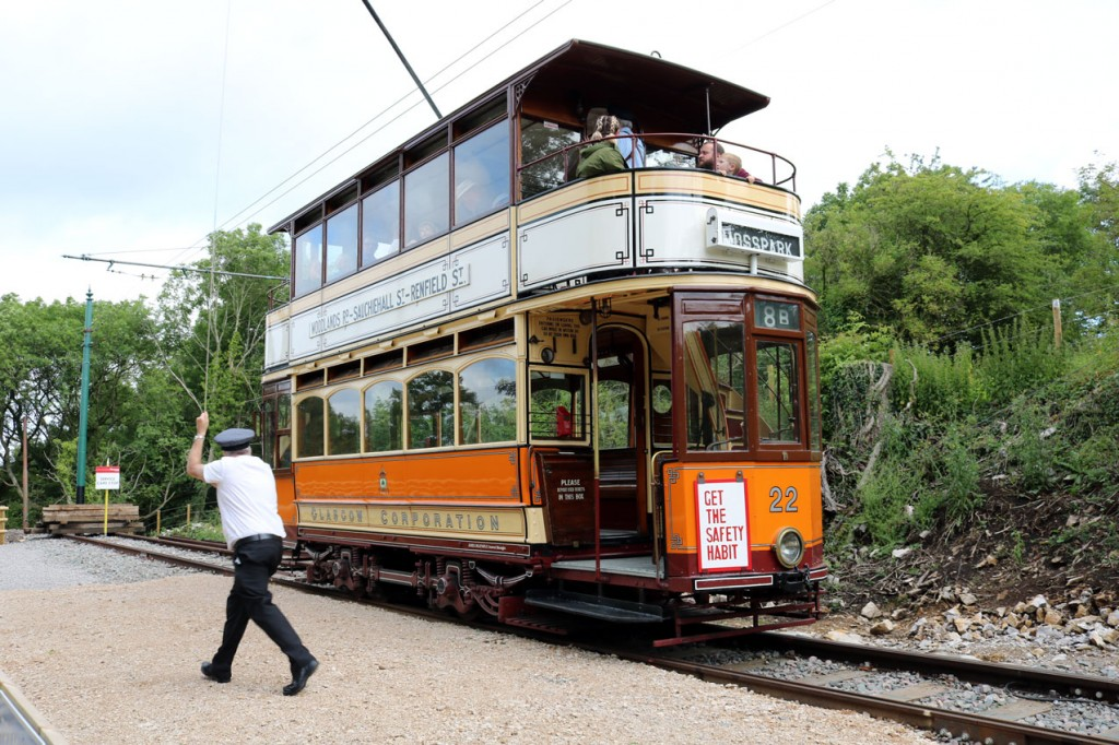 Round she goes! The trolley is turned on Glasgow 22 at Glory Mine.