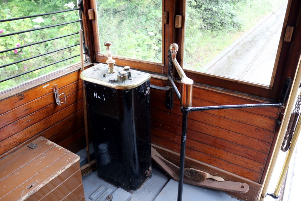 No. 1 end of 40 showing the spacious surrounds for the driver but no seat!