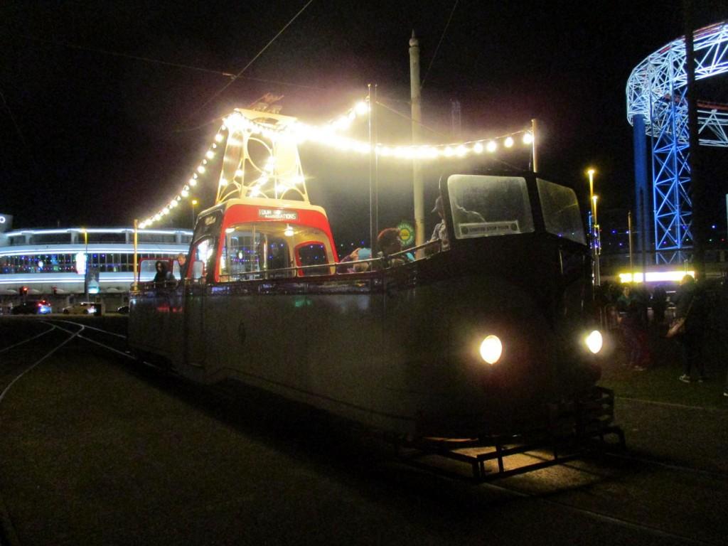 And speaking of Boat 227 here is the tram standing on Pleasure Beach loop between tour duties.