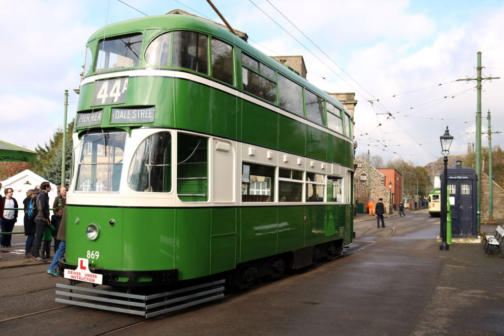 Liverpool 869 was in use in its usual Ultimate Driver Experience role. This is the tram at Town End.