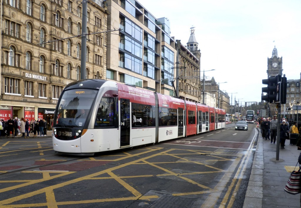 260 runs along Princes Street with a service for the Airport with the antlers now removed. (Photograph by Roy Calderwood, 30th December 2019)