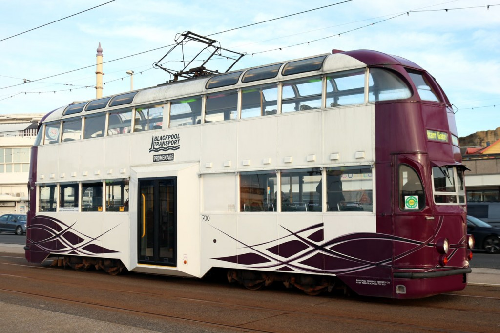 B fleet Balloon 700 on the mainline at Pleasure Beach as it heads a service to Starr Gate. (All Photographs by Trevor Hall, 18th January 2020)