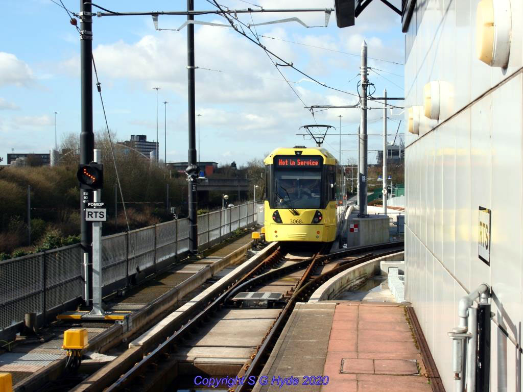 At Pomona we see 3068 departing for the Trafford Centre and crossing the new junction.