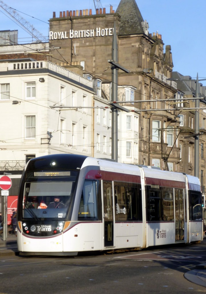 261 joins Princes Street from South Saint Andrew Street with a service to the Airport on 6th February.